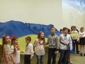 Святковий концерт на Яворівському полігоні та Хресна дорога в селі Страдч школярів Трускавецької СЗШ № 3