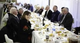 """Благодійний обід в ГКК """"Карпати"""" на Стрітення, організатор - Лев Грицак та партія """"Батьківщина"""""""